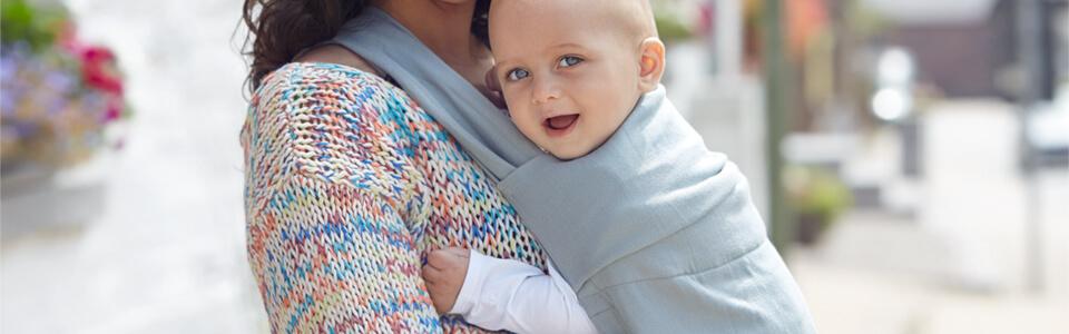 Porter Bébé de manière ergonomique 37743c33fdc